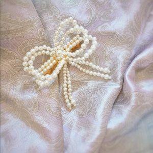 Vintage 1980s Pearl Bow Lolita Princess Barrette